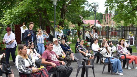 Ziua Internațională a Iei Românești, sărbătoare la Peștișani!